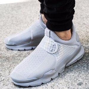 Mens Nike Sock Dart SE (Size 10)